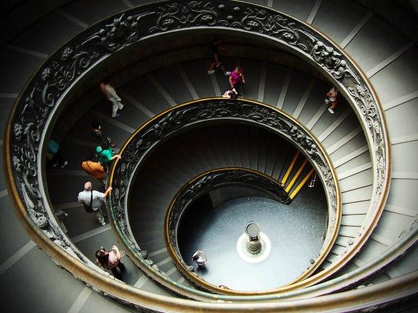 escalera capilla sixtina